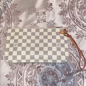 Louis Vuitton Damier Azur Neverfull MM Pochette